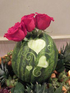 Wedding watermelon carving Watermelon Crafts, Watermelon Carving, Watermelon Basket, Catering Food Displays, Fruit Displays, Watermelon Wedding, Fruit Presentation, Veggie Art, Veggie Food