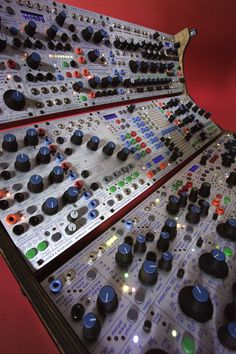 Buchla Part 1 Music Production Equipment, Recording Equipment, Music Machine, Drum Machine, Audio Sound, Sound Of Music, Electronic Music Instruments, Musical Instruments, Moog Synthesizer
