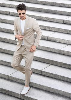 Digel - The Menswear Concept is an international fashion label with an innovative vision and creative spirit. Discover our range of suits and jackets, shirts, ties and coats. Shops, International Fashion, Fashion Labels, Menswear, Spring Summer, Jackets, Collection, Grey, Google