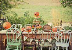 rusty hinge: Halloween Harvest Table