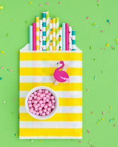 Let's throw a luau! We're getting really excited for summer parties, especially luaus! We've gathered up some of our favorite and bright luau party supplies perfect for your tropical themed party for summer. I Sweets & Treats