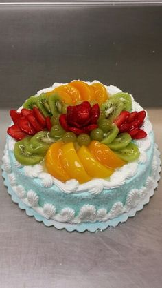 Easy Cake Decorating, Cake Decorating Techniques, Fruit Cake Design, Fresh Fruit Cake, Asian Cake, Beautiful Cake Designs, Eggless Baking, Delicious Deserts, Different Cakes