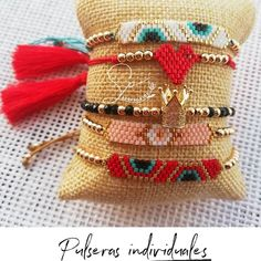 Braided Bracelets, Ankle Bracelets, Handmade Bracelets, Diy Braids, Beaded Jewelry Patterns, Rakhi, Peyote Stitch, Brick Stitch, Beading Tutorials