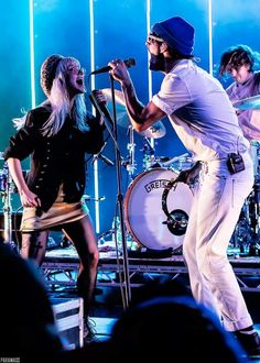 Zac Farro Hayley williams Paramore TourOne 2017
