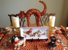 Dogs do tricks for treats ! Halloween 2016, Scary Halloween, Tablescapes, Halloween Decorations, Tea Party, Texas, Dining, Dogs, Food