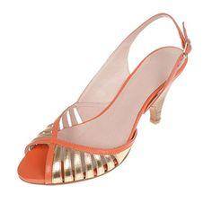 La garconne Nadine Gold (oro) /Cumbia Man Caves, Sandals, Gold, Shoes, Fashion, Ladies Shoes, Men Cave, Moda, Shoes Sandals