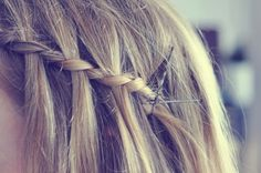 this hair style looks so cute and simple