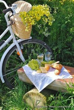 """followthewestwind: """" (via Pin by Sylviane Hugueny-Decaux on Bicyclette fleurie 