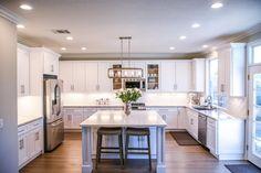 Home Organization Services, House Cleaning Services, Bright Kitchens, Cool Kitchens, Outdoor Kitchens, U Shaped Kitchen, Home Estimate, Best Kitchen Designs, Kitchen Ideas