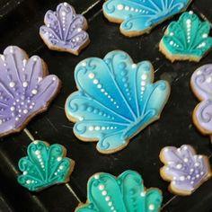 #seashell #conchademar #mermaid #sirena #cookie #galleta #royalicing #glasareal #royalicingart #glasarealarte #art #arte #ilsucre #sucresweetmemories #instagram #pastry #gdl #reposteria #edibleart #artecomestible