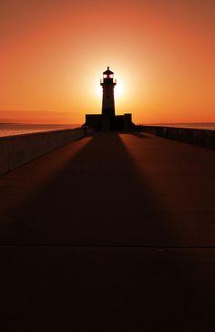 Morning Shadow, Duluth   Minnesota (by Ryan Engstrom)