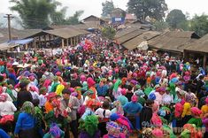 Khau Vai is also called Phong Luu market which was dated back in early century. The market takes place on a at Khau Vai Meo Vac district, Ha Giang province. Vietnam Destinations, Vietnam Travel Guide, Vietnam Tours, North Vietnam, Travel News, New Travel, Vietnam Holidays, Local Tour, Travel Magazines