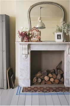 Fireplace with painted floorboards in front by Farrow & Ball Farrow Ball, Painted Floorboards, Painted Floors, Small Living Room Design, Living Room Designs, Living Spaces, Living Rooms, Blue Floor Paint, Sol Pvc