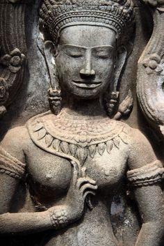 Apsara au temple d'Angkor Ta Prohm. Cambodge.