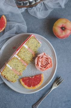 Grapefruit semi naked cake