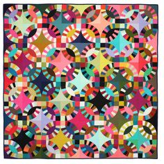 Wonkyworld: shows Double Wedding Ring quilt made by Tara Faughnan of Oakland, California. The quilt was a prizewinner in the Handwork category of QuiltCon Hand Quilting, Machine Quilting, Quilting Ideas, Quilting Projects, Texas Quilt, Quilt Modernen, Wedding Ring Quilt, Wedding Quilts, Double Wedding Rings