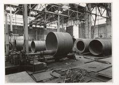 Ketelmakerij van Backer en Rueb. Links de aanmaak en afwerking van rompen voor propaantanks. Rechts de aanmaak van vlampijpketels. In de wals een romp voor propaantanks voor nawalsen.