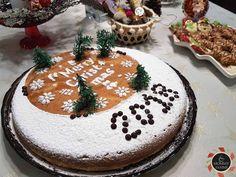 Φέτος είπα να δοκιμάσω άλλη συνταγή για την βασιλόπιτα μας και μοσχομύρισε όλο το σπίτι!Εύκολη, πεντανόστιμη βασιλόπιτα κέικ, συνταγή του Άκη! Mushroom Tart, Kai, Learn Greek, New Year's Cake, Food Design, Yummy Cakes, Tiramisu, Food To Make, Cheesecake