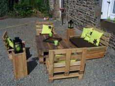 Full Pallet Patio Set includes table, couch, loveseat, two chairs and 2 side tables.  Lime green accent looks great!