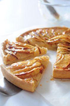 Beautiful apple tart...Tarte aux pommes CAP