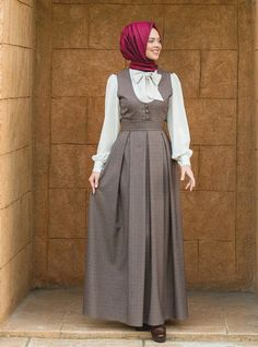 Oh my word, this is simply stunning *and versatile-I could wear a different blouse) Abaya Fashion, Modest Fashion, Fashion Dresses, Muslim Dress, Hijab Dress, Modest Outfits, Dress Outfits, Moslem Fashion, Mode Abaya