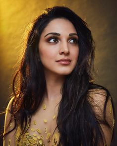 Kiara Advani proves she is the ultimate golden girl in a mirror yellow gown; Yay or Nay? Indian Bollywood Actress, Bollywood Photos, Bollywood Girls, Bollywood Stars, Bollywood Fashion, Bollywood Heroine Photo, Indian Celebrities, Bollywood Celebrities, Female Celebrities