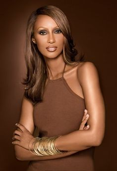 The founder and ceo of Iman Cosmetics offers a business strategy for selling beauty products to women of all skin tones. Beautiful Women Over 40, My Black Is Beautiful, Beautiful People, Absolutely Gorgeous, Somali Models, Beauty Secrets, Beauty Hacks, Beauty Products, Beauty Tips