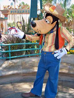 Disneyland Halloween ~ Goofy