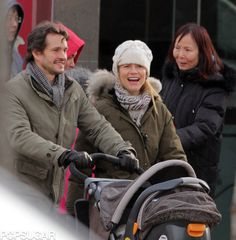 Claire Danes and Hugh Dancy take baby Cyrus out in Toronto | Pictures