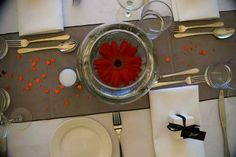 Simple and beautiful wedding table decoration- black, white and red wedding day theme