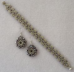 Linda's Crafty Inspirations: Bracelet of the Day: Duo Bobble Band - Lavender & Silver