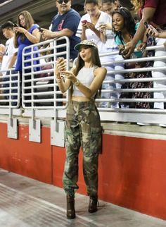 Zendaya Plays Basketball for Charity