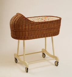 Baby Wicker Bassinet / Crib Fragilis - Brown by shoshke liked by wickerparadise, visit our wicker furniture selection. Cool Baby, Baby Love, Unique Baby, Baby Bassinet, Baby Cribs, Baby Beds, Nursery Furniture, Wicker Furniture, Small Crib