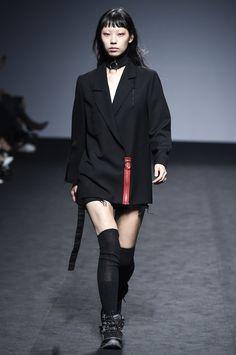 http://www.vogue.com/fashion-shows/seoul-fall-2016/rshemiste/slideshow/collection
