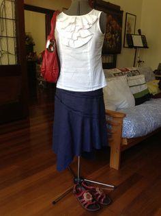 What: white ruffled shell top, navy linen / viscose Vogue skirt, red Oroton bag, Tsonga rose sandals Where: market, blind shopping when: 20140118