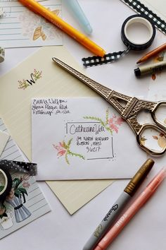 Decorating Envelopes to Match Your Printable Stationery Sheets - Lily & Val Living Mail Art Envelopes, Cute Envelopes, Decorated Envelopes, Envelope Lettering, Calligraphy Envelope, Hand Lettering, Lettering Styles, Lettering Tutorial, Calligraphy Fonts