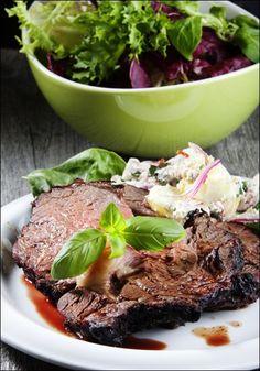 Helstekt entrecôte med potetsalat