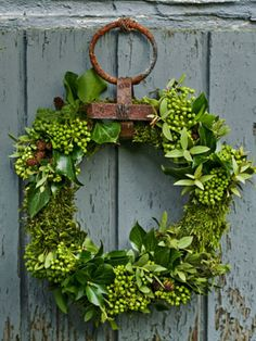 DIY Wreaths - Holiday Wreath Making Ideas