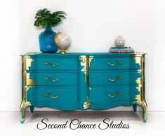Shabby Chic Bedroom Furniture – 3 Pieces of White Shabby Chic Furniture to Transform Your Bedroom Gold Leaf Furniture, Shabby Chic Bedroom Furniture, Gold Furniture, Distressed Furniture, Refurbished Furniture, Colorful Furniture, Paint Furniture, Repurposed Furniture, Furniture Makeover