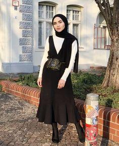 ✔ Fashion Inspo Summer Modest - - ✔ Fashion Inspo Summer Modest Source by Modern Hijab Fashion, Street Hijab Fashion, Hijab Fashion Inspiration, Muslim Fashion, Modest Fashion, Casual Summer Dresses, Modest Dresses, Dress Summer, Dress Casual