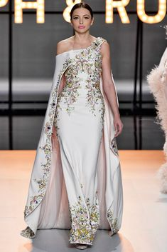 A model walks the runway during the Ralph & Russo Haute Couture Spring Summer 2019 fashion show as part of Paris Fashion Week on January 2019 in Paris, France. Get premium, high resolution news photos at Getty Images Ralph & Russo, Gowns Of Elegance, Haute Couture Fashion, Glamour, Couture Collection, Beautiful Gowns, Fashion Show, Paris Fashion, Luxury Fashion