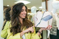 Luiza Sobral with our ladies handbag by Vicky Uslé.  Luiza Sobral con nuestro bolso para mujeres diseñado por Vicky Uslé. #onesixonebag