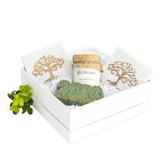 The perfect solution to say a quick thank you or job well done. We offer a large range of gifts that all fit within the petite box. Corporate Gifts, Hostess Gifts, Decorative Boxes, Promotional Giveaways, Decorative Storage Boxes