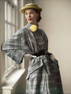 Grey plaid wool coat with huge pockets 1951