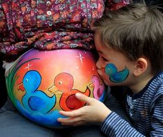 Cute idea for multiples Face Painting Designs, Paint Designs, Painting Tutorials, Airbrush Body Paint, Airbrush Art, Bump Painting, Painting Art, Pregnant Belly Painting, Belly Art