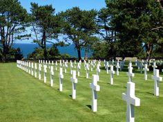 Le Cimetière Américain se trouve à Colleville sur Mer dans le Calvados et fait partie de la sélection des 12 insolites cimetières d'Europe sur le blog. Crédit Photo Parents Voyageurs