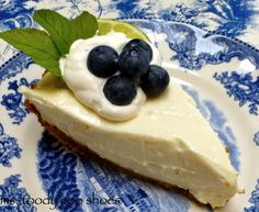 Easy No-Bake Key Lime Pie -  So creamy and delicious - from http://mstoodygooshoes.blogspot.com