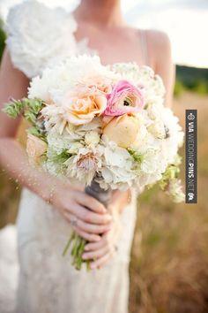 Amazing! - gorgeous bouquet. | CHECK OUT MORE IDEAS AT WEDDINGPINS.NET | #weddings #flowers #weddingbouquets #weddingflowers #events #forweddings #iloveflorals #romance #beauty #planners #floral #florist #Bouquet