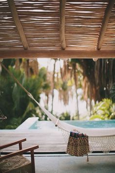 Wouldn't it be perfect to just sit in this hammock and relax? Wow! via @BainUltra.