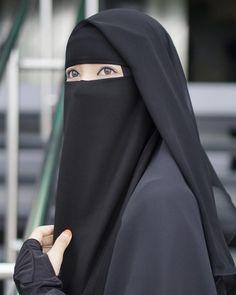 Hijab Gown, Hijab Niqab, Muslim Hijab, Mode Hijab, Niqab Fashion, Modern Hijab Fashion, Muslim Women Fashion, Fashion Outfits, Arab Girls Hijab